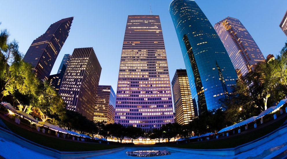 Low Oil Prices, High Development Volumes Threaten Houston Apartment Market Fundamentals