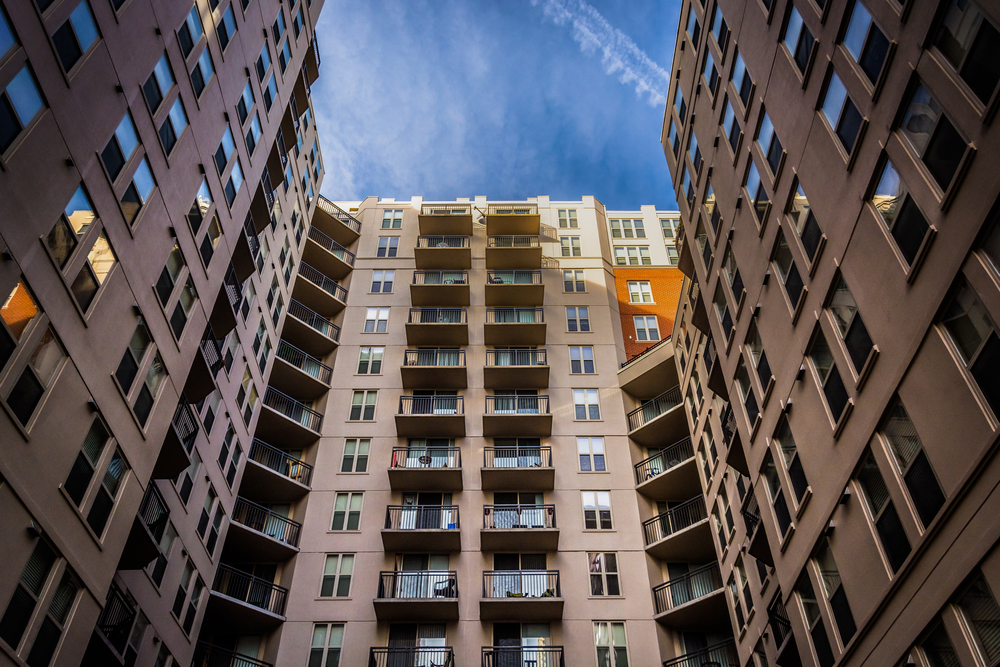 Urban Core Apartments Turn to Steep Rent Cuts as Performance Headwinds Strengthen